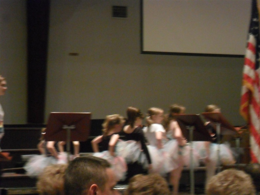 Anna's dance routine.  MORE CUTE!