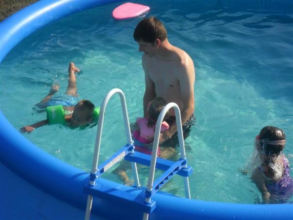 """Jordan """"swimming"""" unassisted!"""