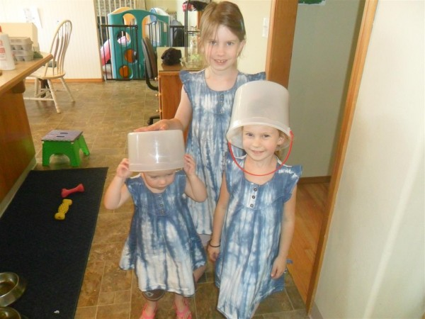 Giant empty ice cream tubs make great Easter egg baskets!